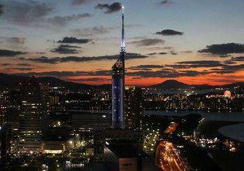 4201 福岡タワー夕暮れ02.jpg