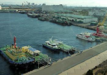 ポートアイランド 港の船.jpg